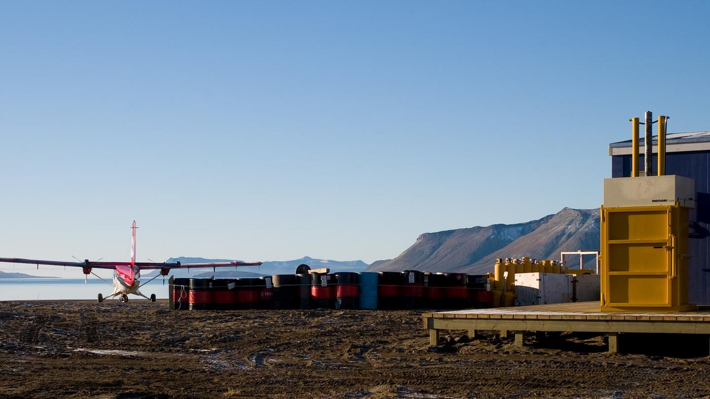 Plane and Bramidan drum press outside Zackenberg research station in Greenland